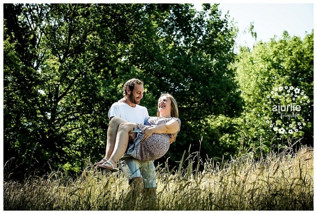 fotoshoot Limburg romantische loveshoot in het bos (6)
